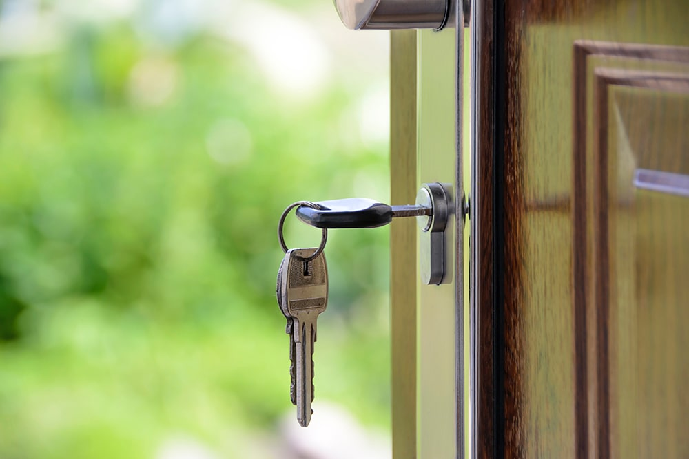 5 Ways to Make Your Home Less Appealing to Burglars
